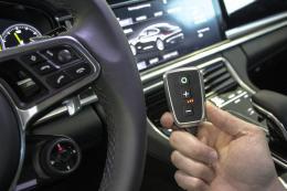 PedalBox<sup>+</sup>: Bessere Beschleunigung im Porsche