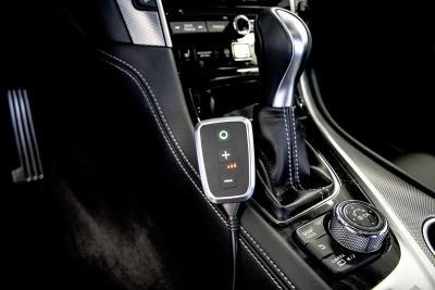 Der Infiniti Q50 mit dem Gaspedal-Tuning von DTE